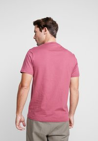 Farah - DENNIS SOLID TEE - T-shirt - bas - azalea - 2