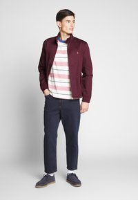 Farah - HARDY HARRINGTON - Bomber Jacket - farah raspberry - 1