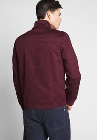 Farah - HARDY HARRINGTON - Bomber Jacket - farah raspberry - 2