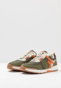 Faguo - RUNNINGS WILLOW - Sneakersy niskie - khaki - 2