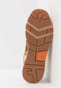 Faguo - RUNNINGS WILLOW - Sneakersy niskie - khaki - 4
