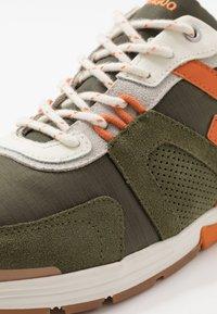 Faguo - RUNNINGS WILLOW - Sneakersy niskie - khaki - 5