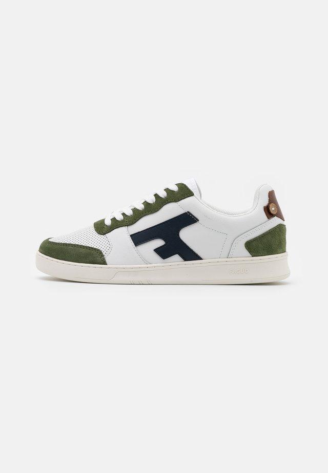 HAZEL BASKETS  - Sneakers - white/green