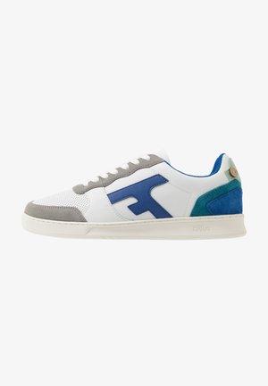 BASKETS HAZEL - Sneakersy niskie - white/blue