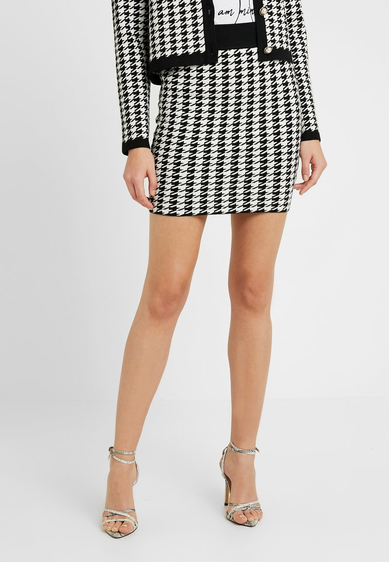 Fashion Union - HIBISCUS SKIRT - Mini skirt - black/cream