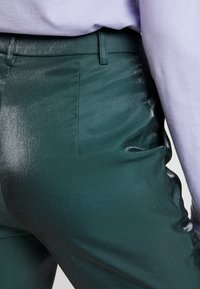 Fashion Union - HONNIE TROUSER - Bukse - green - 4