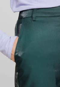 Fashion Union - HONNIE TROUSER - Bukse - green