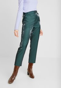 Fashion Union - HONNIE TROUSER - Pantalones - green - 0