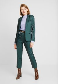 Fashion Union - HONNIE TROUSER - Bukse - green - 2