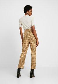 Fashion Union - CLUELESS TROUSERS - Bukse - yellow - 3