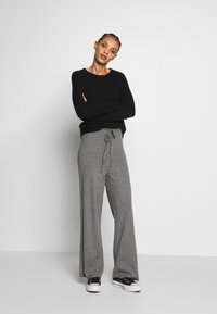 Fashion Union - OZARK TROUSER - Trousers - grey - 1