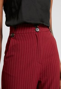 Fashion Union - VELMAS TROUSER - Broek - burgundy - 4