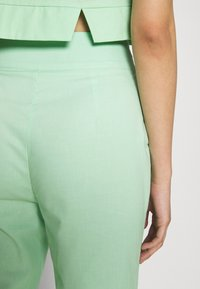 Fashion Union - FRESH TROUSERS - Kangashousut - neo mint - 3