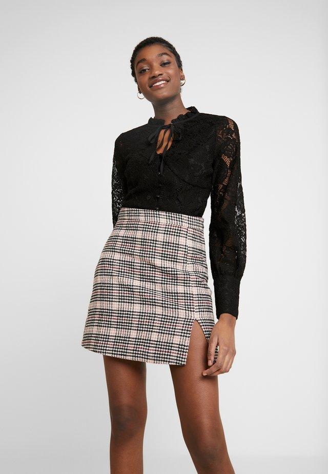 MODEL SKIRT - Mini skirt - grey/light pink