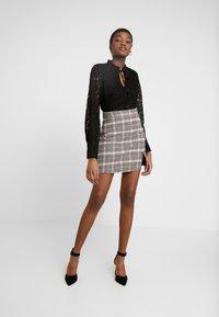 Fashion Union - MODEL SKIRT - Miniskjørt - grey/light pink - 1
