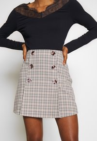 Fashion Union - BETTY SKIRT - Minijupe - black/cream - 4