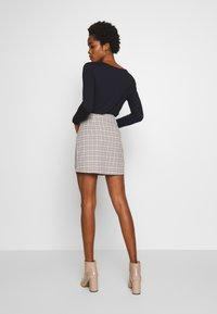 Fashion Union - BETTY SKIRT - Minijupe - black/cream - 2