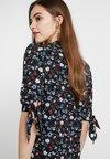 Fashion Union - WALES - Denní šaty - black