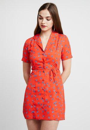 TANYA - Robe chemise - tangerine