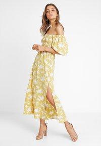 Fashion Union - LENNI - Maxiklänning - summer shadow - 2