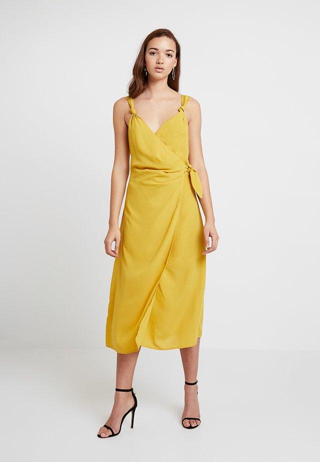 PICKCHA - Maxi šaty - yellow