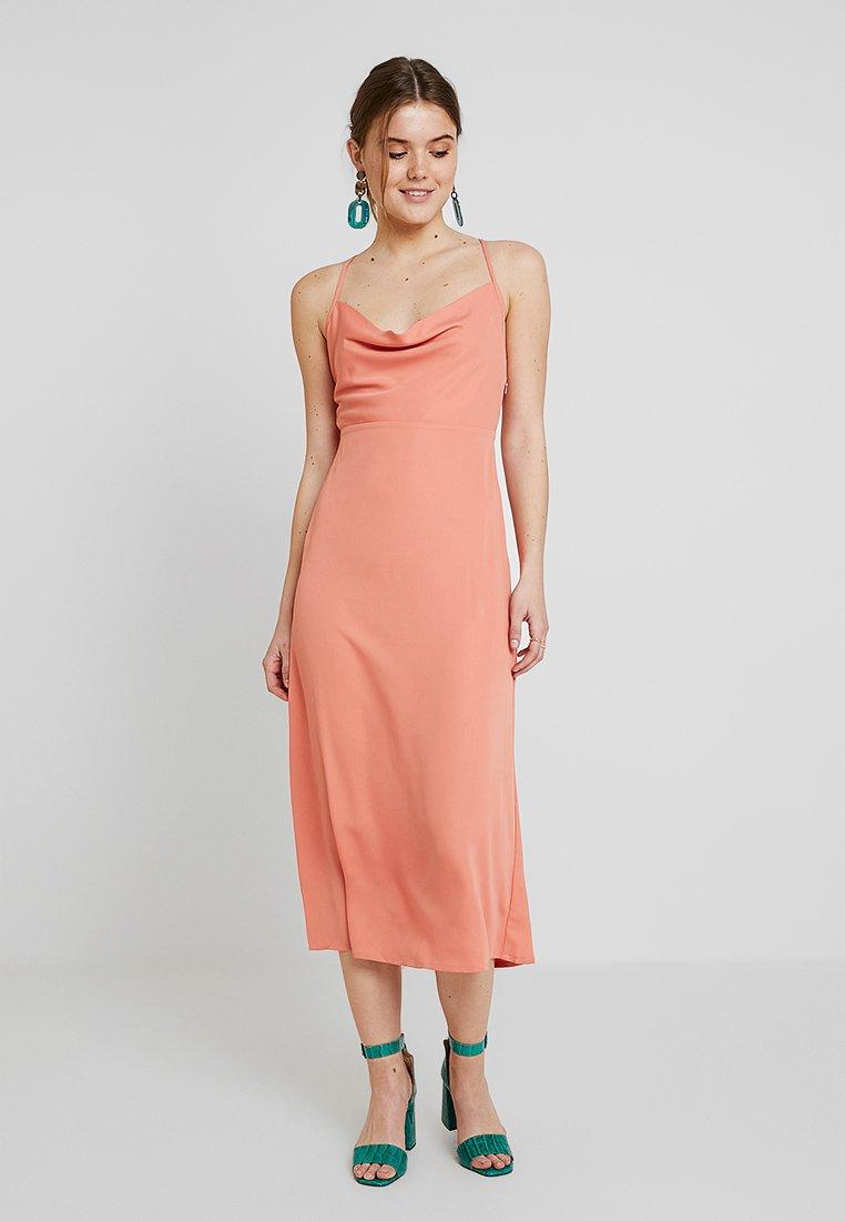 Fashion Union - MARZI - Vestido largo - cantaloupe orange