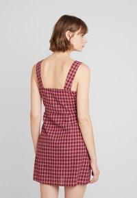 Fashion Union - VENUS - Vestido informal - red - 2