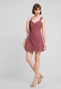Fashion Union - VENUS - Vestido informal - red - 1