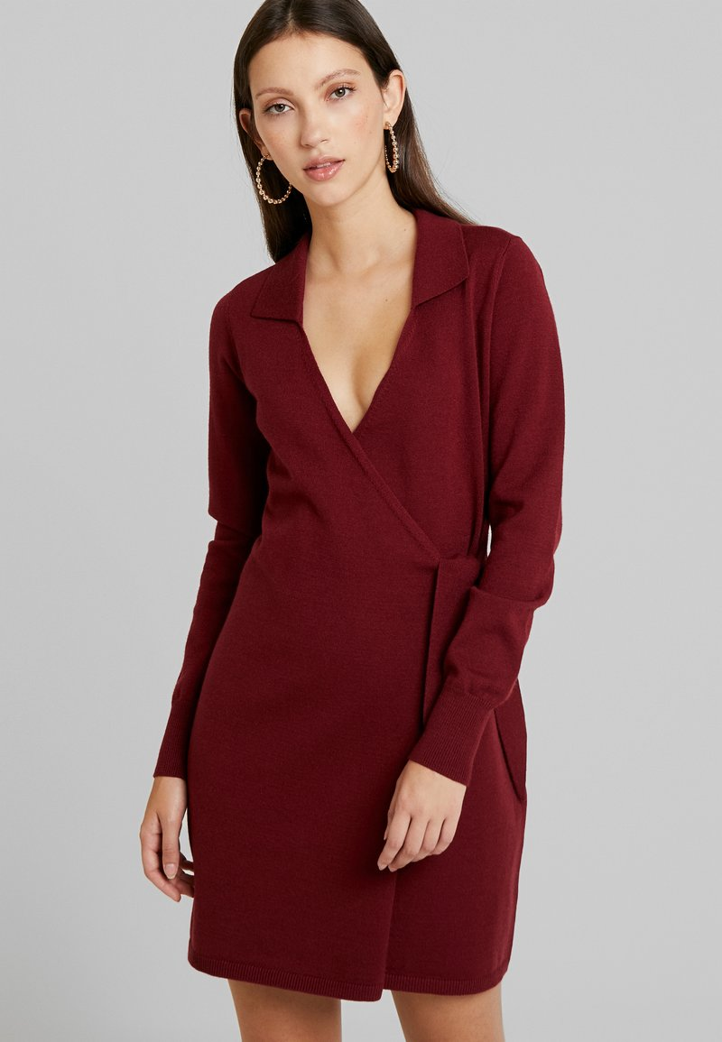 Fashion Union - BANEBERRY - Robe pull - burgundy