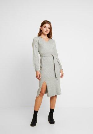 BANET - Stickad klänning - grey