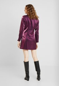 Fashion Union - LOREM - Denní šaty - plum - 3