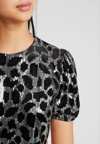 Fashion Union - GROWLY - Vestito elegante - silver - 6