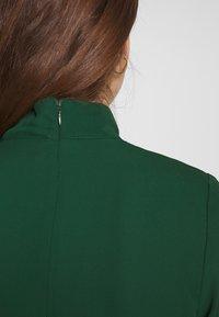 Fashion Union - CHARBAN - Denní šaty - forest green - 5