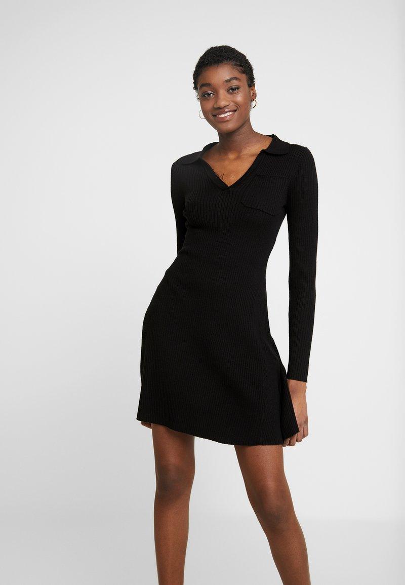 Fashion Union - NAPA - Pletené šaty - black
