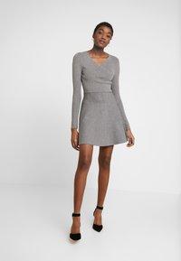 Fashion Union - WALPI - Robe pull - grey - 2