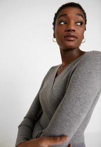 Fashion Union - WALPI - Robe pull - grey - 4