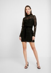 Fashion Union - MARGERINE - Vestido de cóctel - black - 1