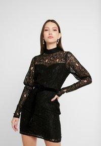 Fashion Union - MARGERINE - Vestido de cóctel - black - 0
