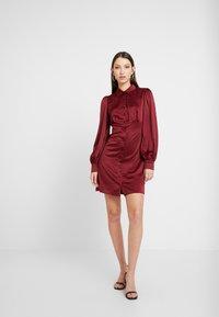 Fashion Union - LORD - Robe chemise - burgundy - 1