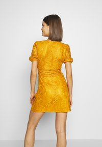 Fashion Union - LUCA - Vestido informal - yellow - 2