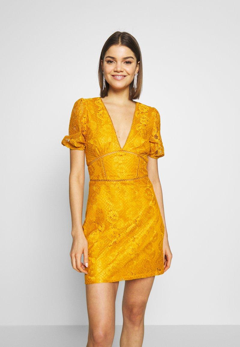Fashion Union - LUCA - Vestido informal - yellow