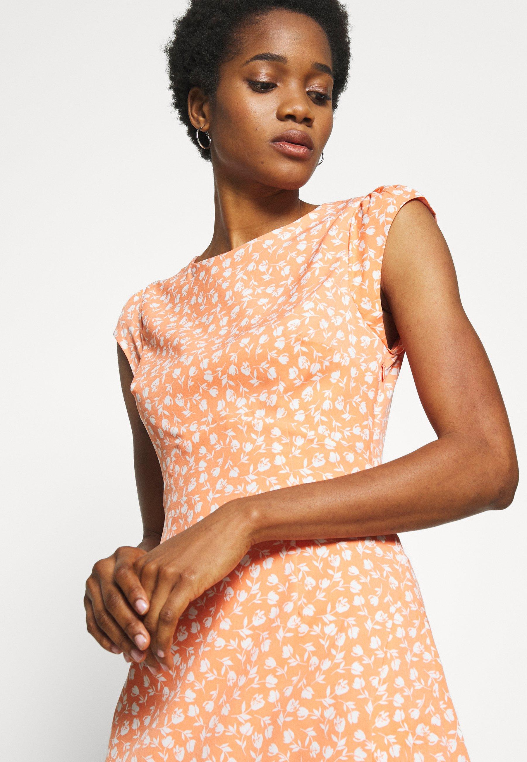 Fashion Union HOLLY - Długa sukienka - cantaloupe