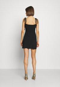 Fashion Union - LEESHA - Kjole - black - 2