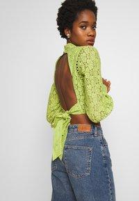 Fashion Union - LESSAY - Bluse - green - 3