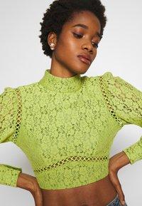 Fashion Union - LESSAY - Bluse - green - 5