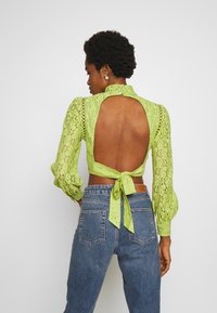 Fashion Union - LESSAY - Bluse - green - 2