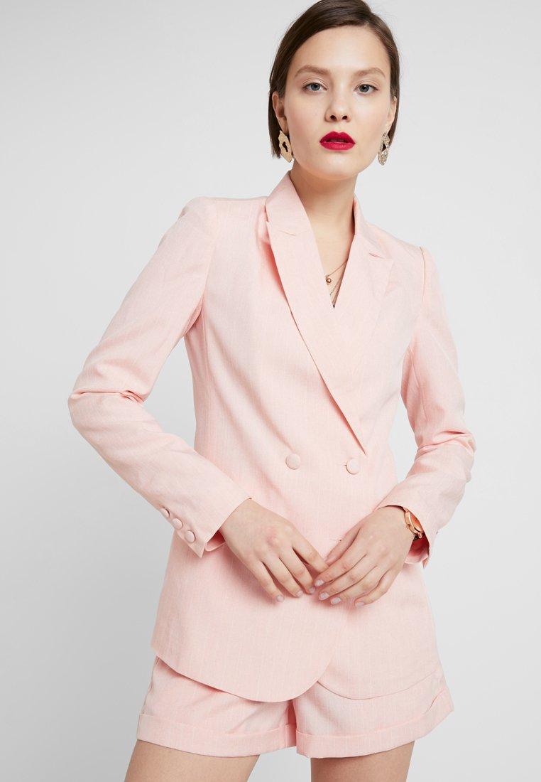 Fashion Union - BAKER - Żakiet - peach