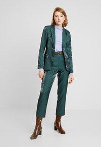 Fashion Union - HONNIE - Sportovní sako - green - 1
