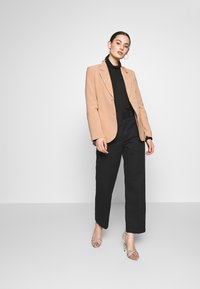 Fashion Union - BENJAMIN - Blazer - beige - 1