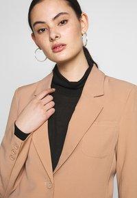 Fashion Union - BENJAMIN - Blazer - beige - 4